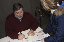 Woz Signing iWoz